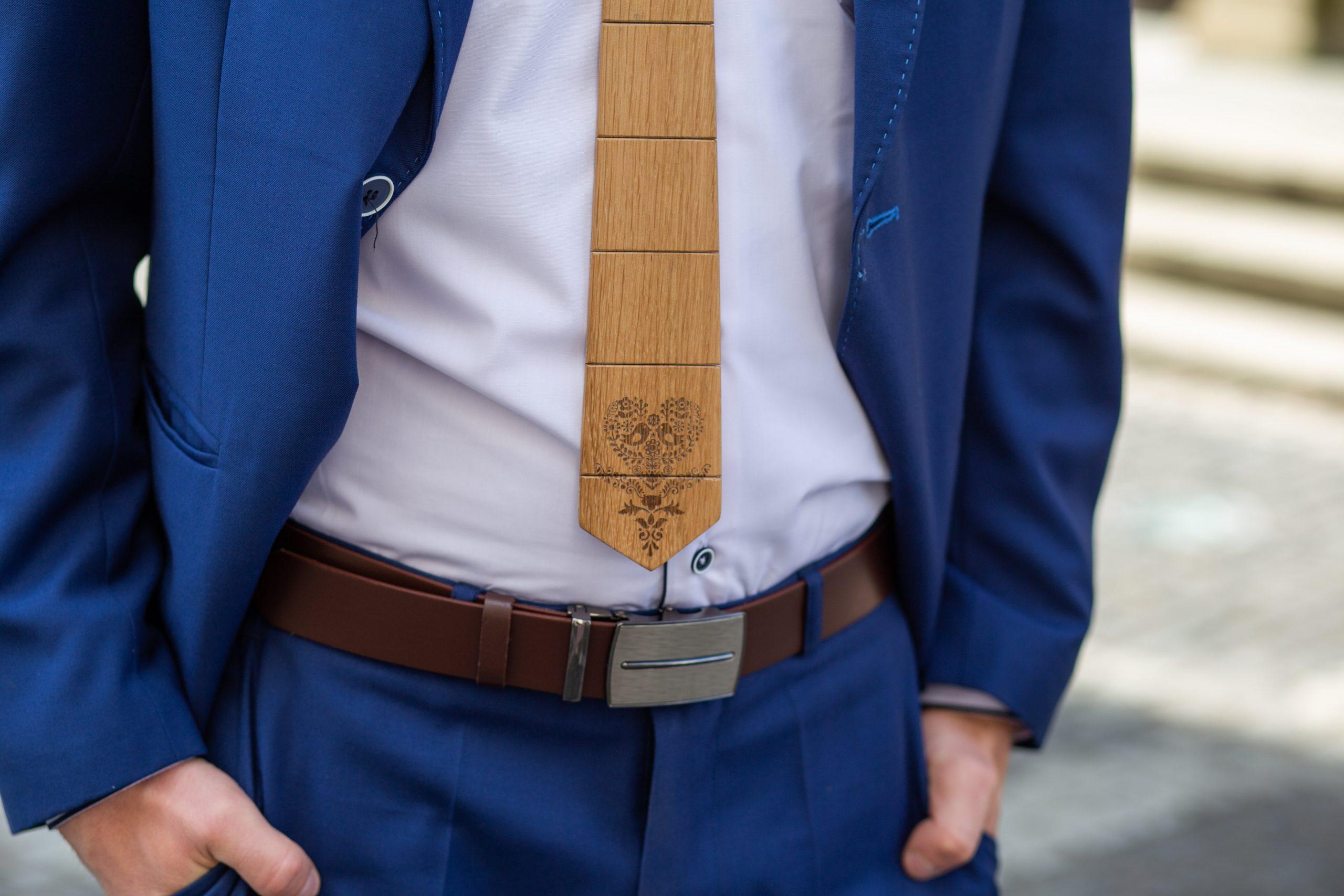 """Drevená pánska kravata Gravírovaná - Ľudový vzor """"MARKstyle"""""""
