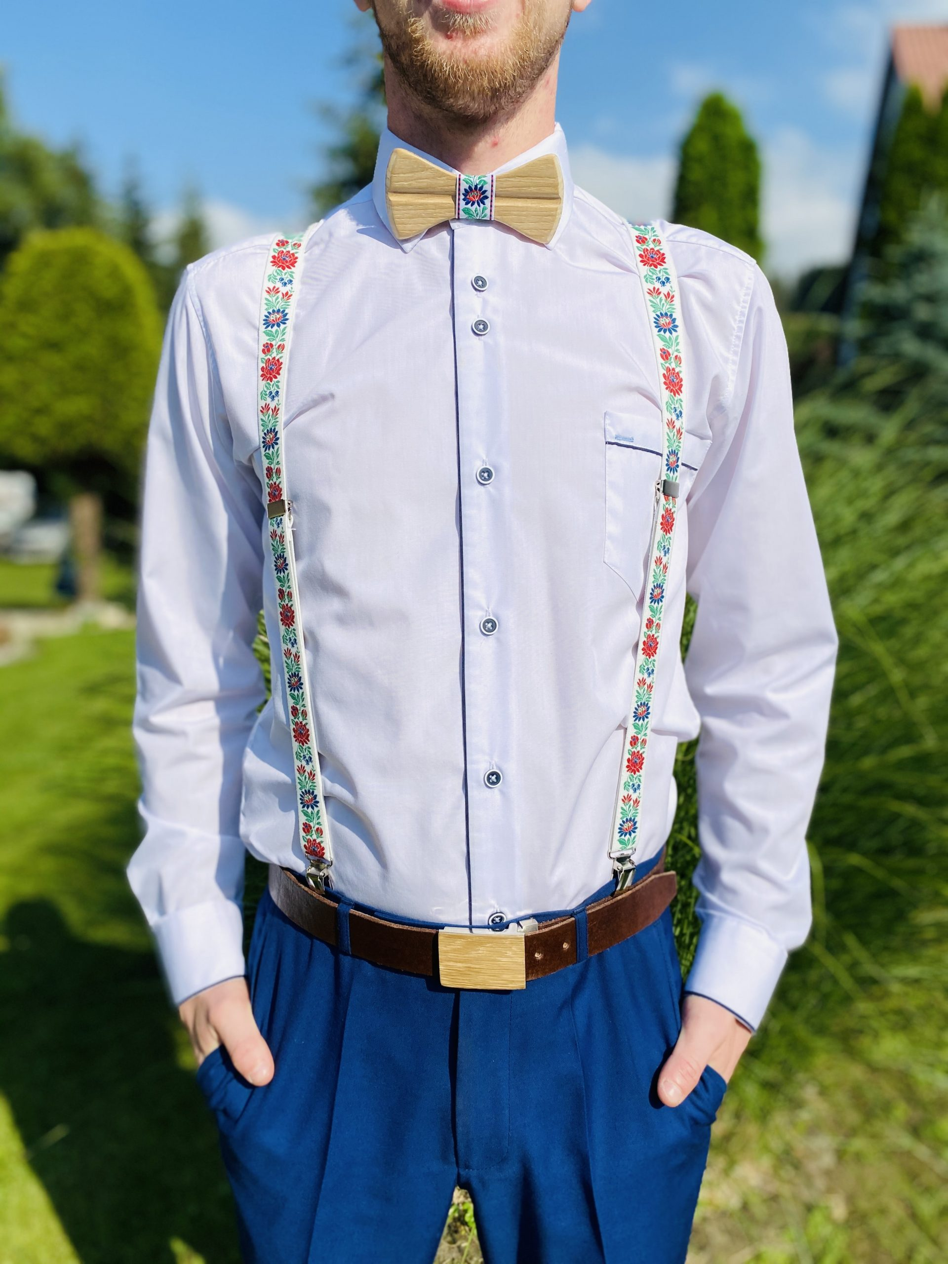 "SET Drevený pánsky motýlik Folk 5 prirodny1 ""MARKstyle"" + traky"