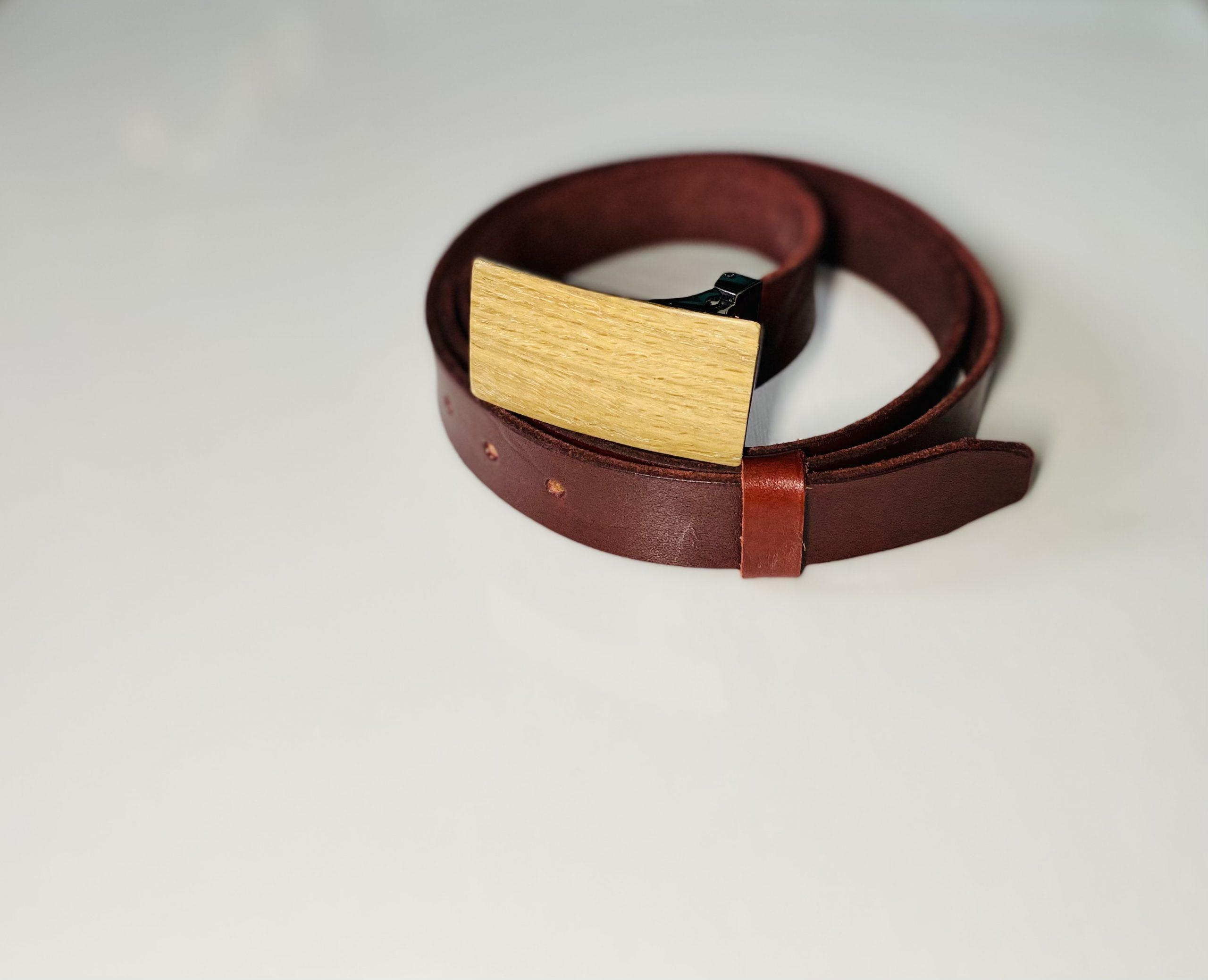 """Bordový úzky kožený opasok drevený prírodný2 """"MARKstyle"""""""